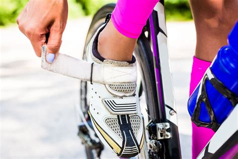 why wear bike shoes how to choose winter cycling shoes boots and footwear