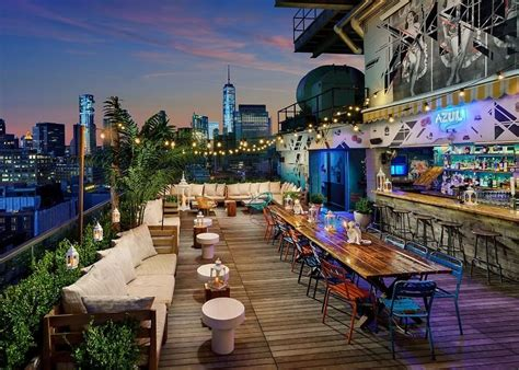 roof top bars in nyc 20 nyc rooftop bars to get your drink on this summer
