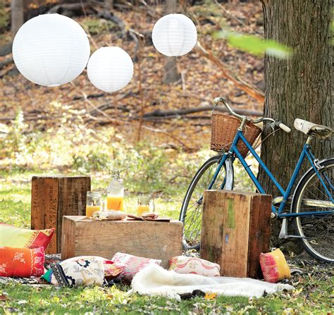 backyard picnic host a picnic in your own backyard decor tips and recipes