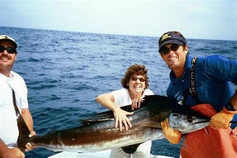 holiday isle marina charter boats islamorada sport fishing your source to a cooler full