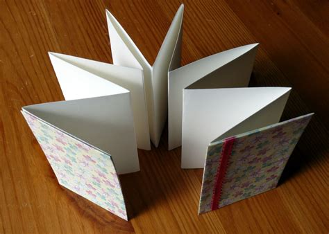 How To Make A Paper Accordion - how to make an accordion book brightly