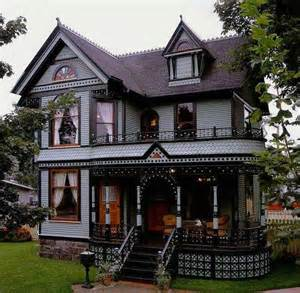 new houses that look like houses victorian love old victorian homes pinterest