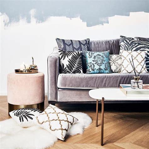 divano rosa oltre 25 fantastiche idee su divano rosa su