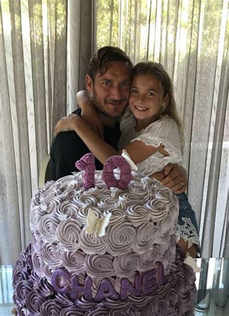 chanel si鑒e social totti festeggia i 10 anni della figlia chanel