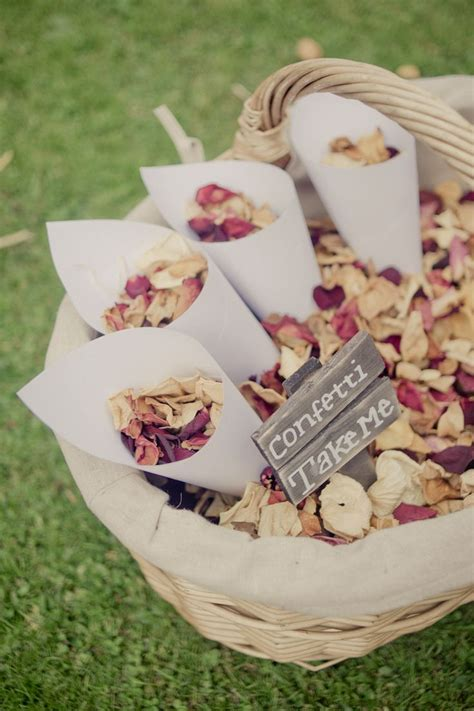 25  best ideas about Wedding Confetti on Pinterest