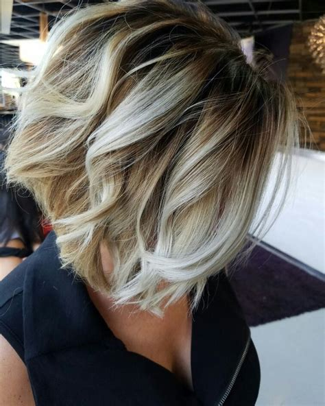 short hairstyle blonde in front black in back balayage bob google search hair colours pinterest