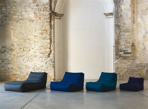 chaises privées big zoe chaise longue by lievore altherr molina