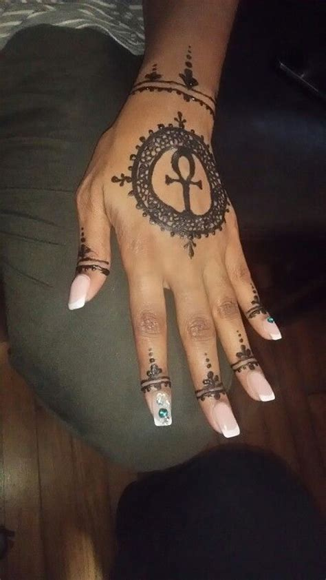 ankh tattoo on finger best 25 ankh tattoo ideas on pinterest