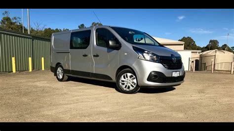 renault trafic 2017 2017 renault trafic crew review