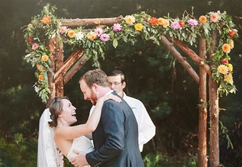 Wedding Backdrop Malaysia by 15 Rustic Ceremony Backdrops For Your Woodland Wedding