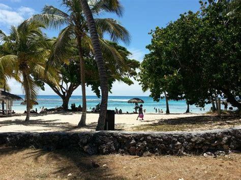 la plage   Photo de Restaurant Ti Coco, Saint François   TripAdvisor