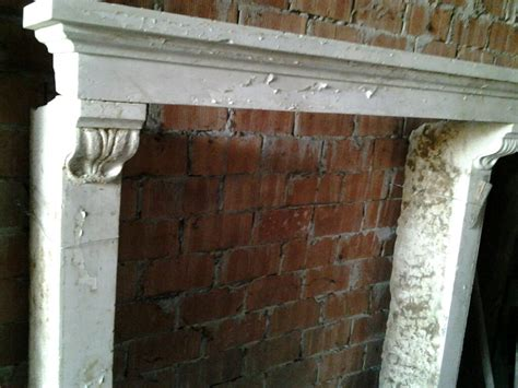 camino antico camino in marmo bianco recupero materiali