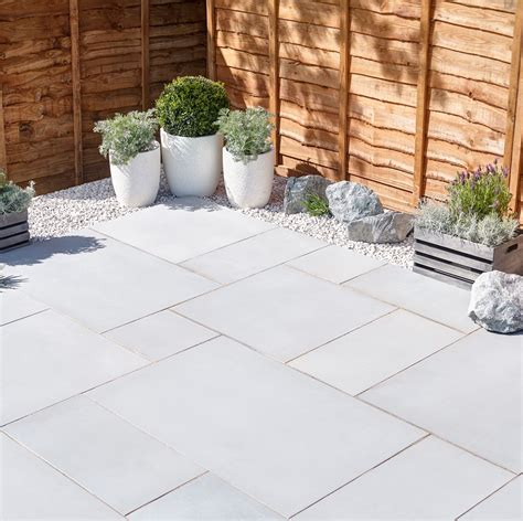 terrassen accessoires silver grey sawn sandstone mixed size paving pack