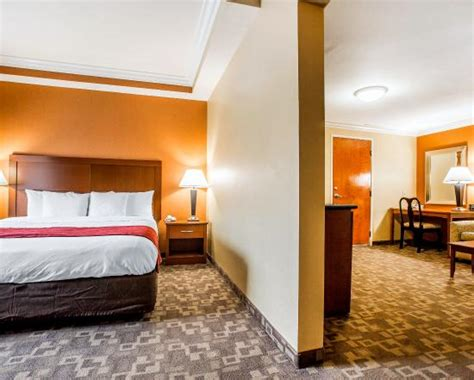 comfort suites marina casnkstudio