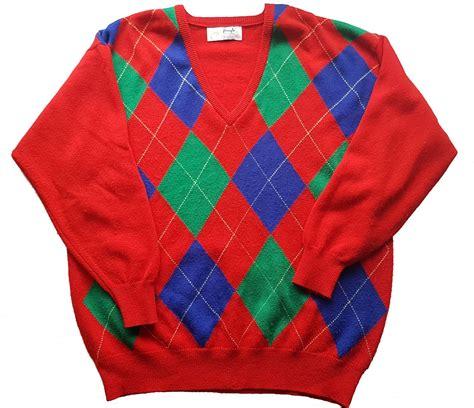 diamond pattern golf jumper pringle sports men s vibrant red diamond pattern pure wool