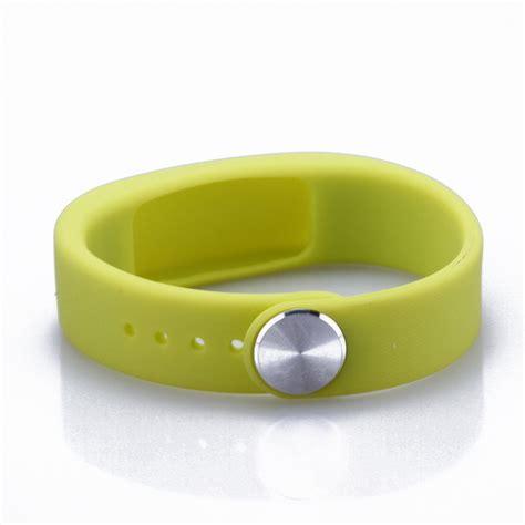Fashion Silicone Child Gps Tracker Bracelet,Gps Bracelet For Children,Kids Gps Bracelet   Buy