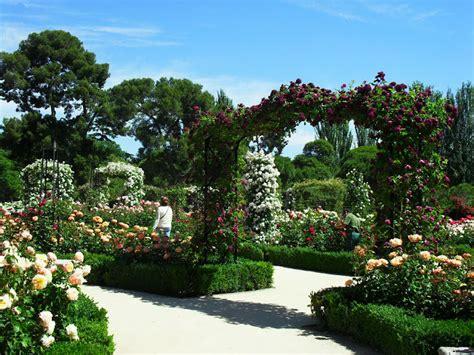 jardines con rosales arte y jardiner 205 a el jard 205 n de rosas