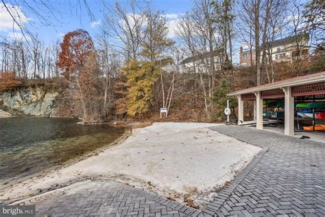 detached single family laurel md  luxury home