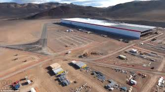 Tesla New Manufacturing Plant The Gigafactory That Will Make Or Tesla Daily Mail