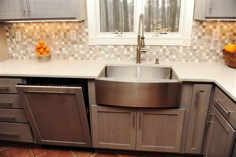 Kitchen Backsplash Stainless Steel kitchen re do cabinets make a huge difference