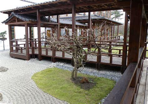 veranda garten japanischer garten veranda 252 berdachter laubengang wisteria