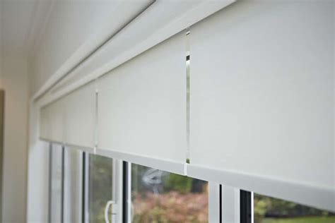 Lifestyle Awnings Roller Blinds For Bifold Doors Radiant Blindsradiant Blinds
