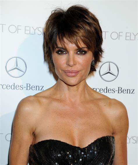 how to have lisa rinna hairstyle 2014 lisa rinna wears perrier jouet at the art of elysium