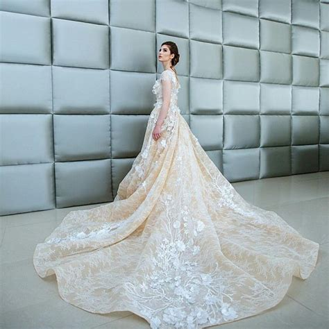 3d wedding wedding gowns 3d floral appliques wedding dresses with cathedral illusion bodice
