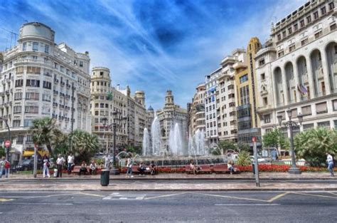 ayuntamiento de valencia ayuntamiento valencia s main central square is surrounded by attractive