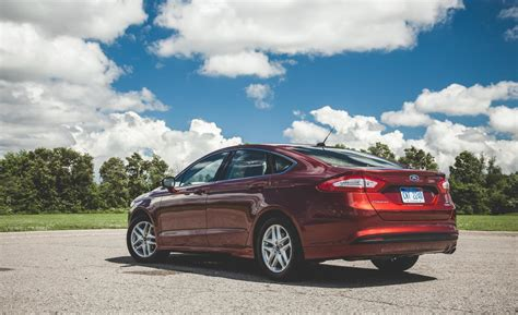 ford fusion 2014 weight car and driver