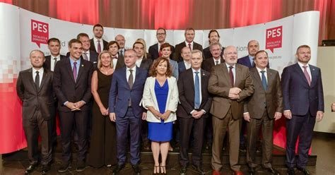 pes leaders frans timmermans   clear choice