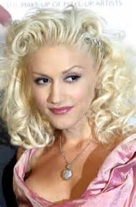 Celebrity hairstyles gwen stefani curly hair pulled back
