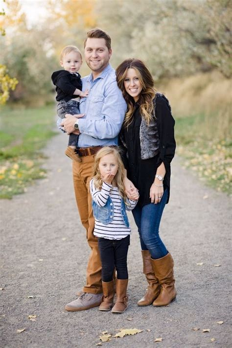 family of 4 picture ideas 3 blowing kisses 27 fall family photo ideas you ve just