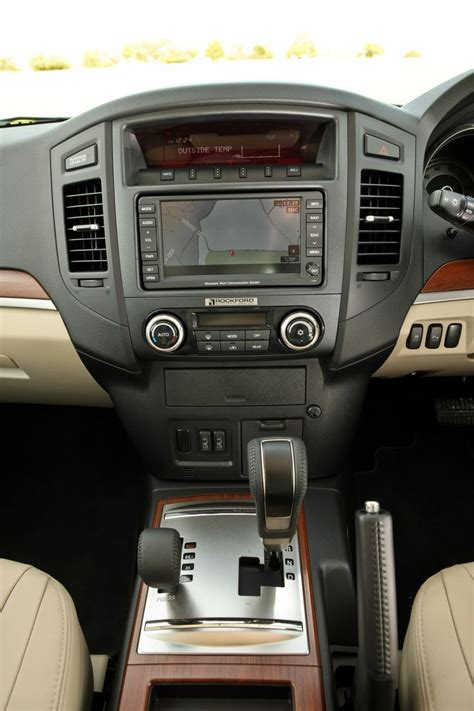 mitsubishi shogun interior 37 best interior images on autos deco