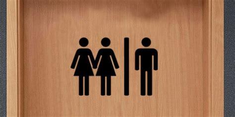 donne in bagno in due perch 233 le donne vanno al bagno in due risposte360