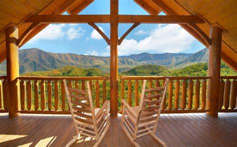 bedroom sleeps  cades cove castle  large cabin rentals