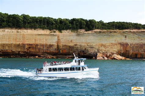 pictured rocks boat cruise pictured rocks boat tours
