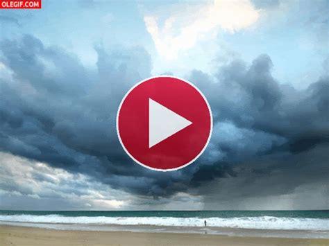 imagenes en movimiento del mar gif el movimiento del mar y las nubes gif 1322