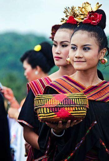 Dedare Sasak eksotik indonesia uniknya budaya suku sasak lombok