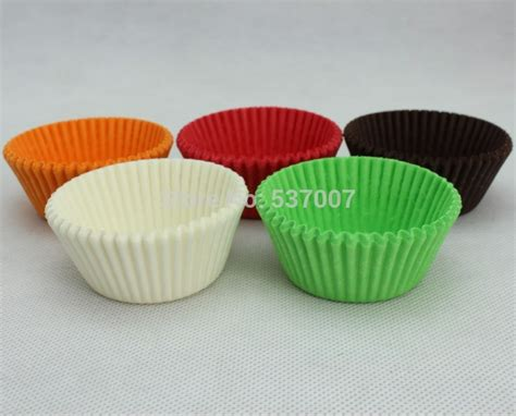 How To Make Paper Cups For Cupcakes - paper muffin cups green direct standard size white