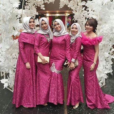 Maxi Brukat Pink model dress kebaya pink modern desain in 2018