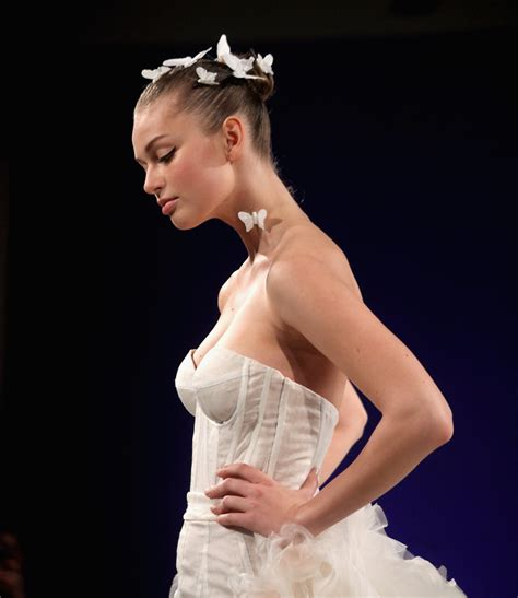 dainty wedding hairstyle ideas spring 2016 runways wedding hairstyles 2016 spring hairstyles 2017
