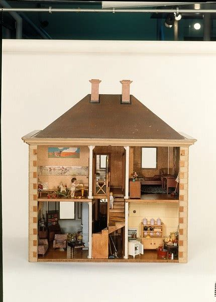 1930s dolls house doll s house england 1930 dollhouses pinterest