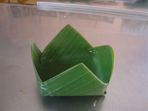 banana leaf bowl photo