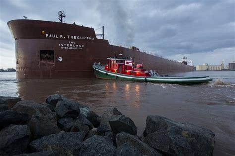 boat crash duluth longest ship on lake superior runs aground in duluth