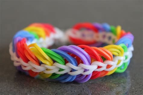 Dijamin Loomband Rainbow loom bands link www pixshark images galleries with a bite
