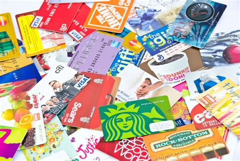 Where To Sell My Gift Cards For Cash - still carrying holiday gift cards here s how to sell your gift cards for cash