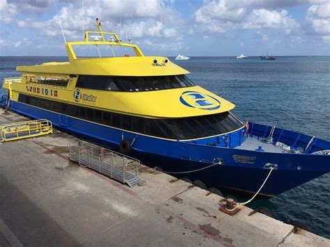 catamaran ultramar cancun foto de ultramar canc 250 n ferry de playa del carmen para