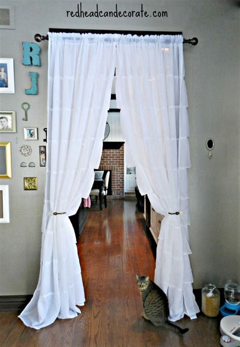 hanging curtains in doorway best 25 doorway curtain ideas on pinterest girls