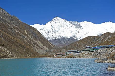 gokyo lakes trek nepal  adventure alternative